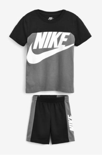 חליפת ספורט NIKE שחור/לבן - 12 חודשים עד 4 שנים