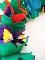 שרשרת פרחים מקסיקנית. קישוטים ואביזרים מקסיקני. חגיגה יום הולדת מקסיקו
