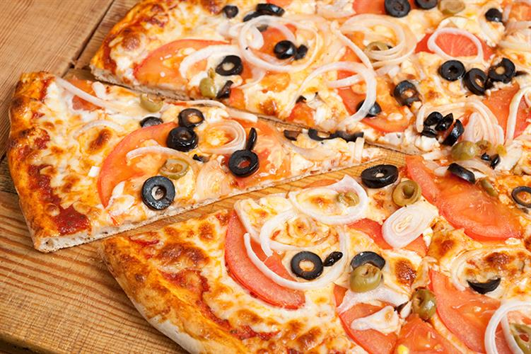 פיצה משפחתית  XL + שתייה