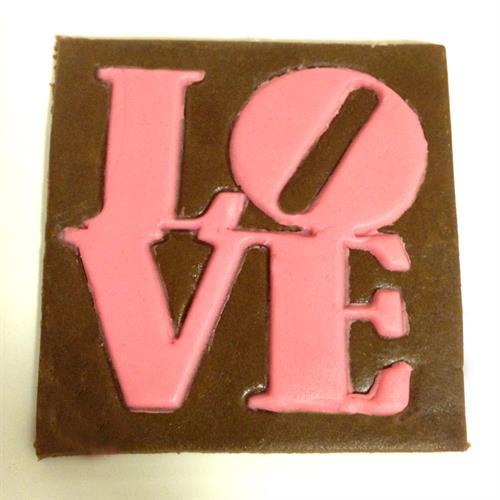 חותכן לוגו - LOVE