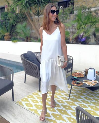 שמלת דוריה לבנה