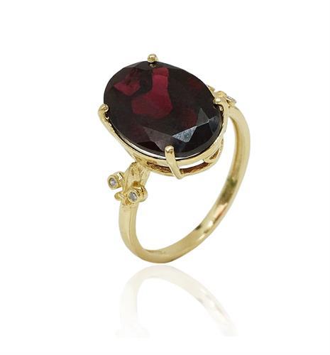 טבעת זהב עם גרנט טבעי ויהלומים