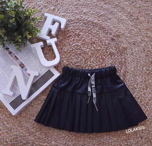 חצאית פליסה במראה עור דגם 2806