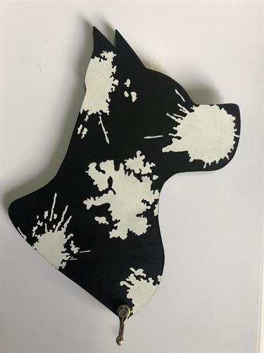 מחזיק מפתחות בצורת ראש של כלב כתמי צבע