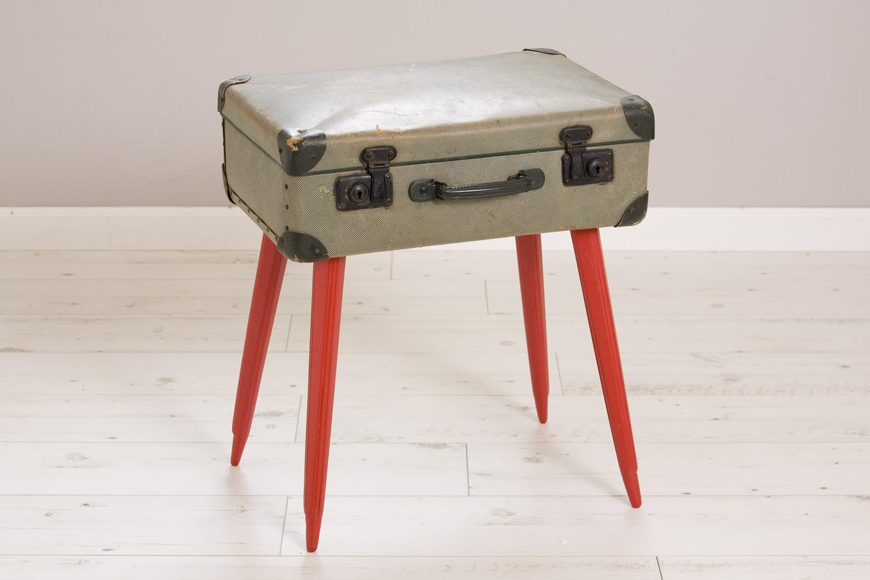 שולחן/ שידת מזוודה