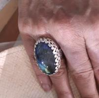 """טבעת כסף """"קוקטייל"""" ענקית אבן  לברדורייט כחול עמוק מיוחדת"""