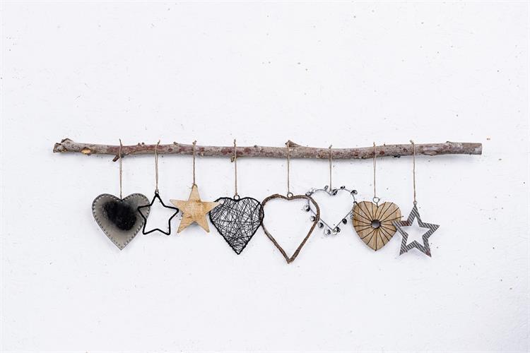 ענף של 8 לבבות וכוכבים