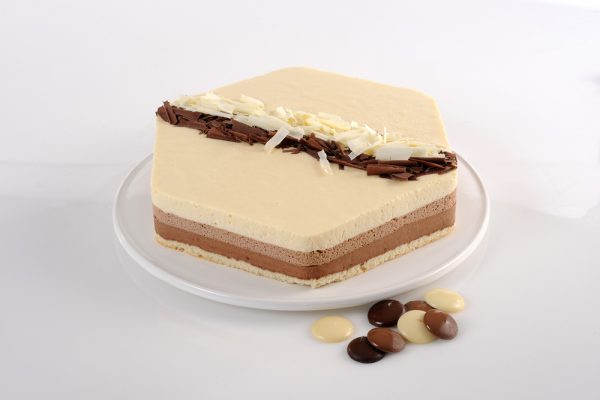 עוגת מוס טריקולד גדולה