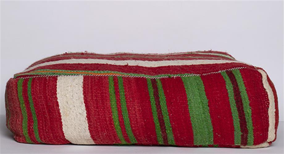 פוף שטיח פסים אדום ירוק לבן