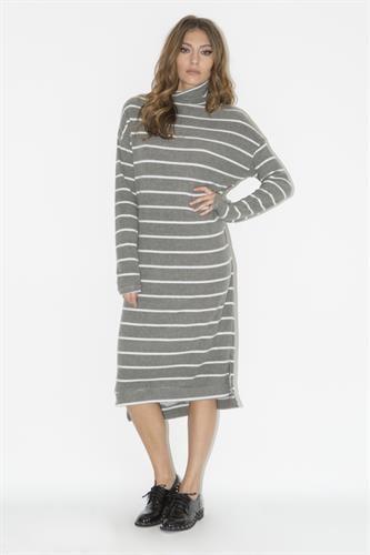 שמלת סריג פסים אפור בהיר