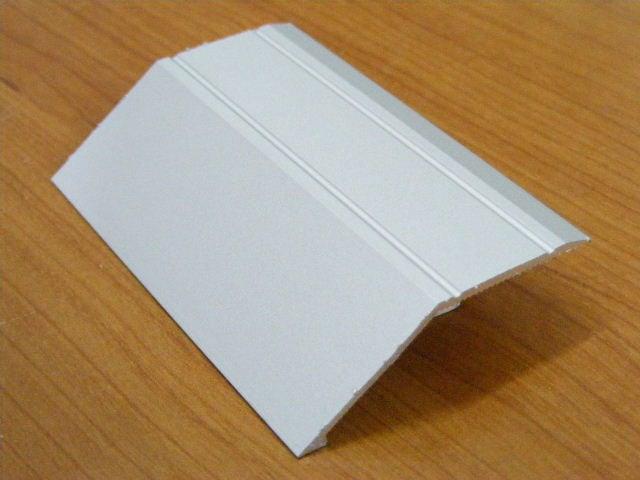 סף שיפועון לפרקט תלת שכבתי אורך 3 מטר