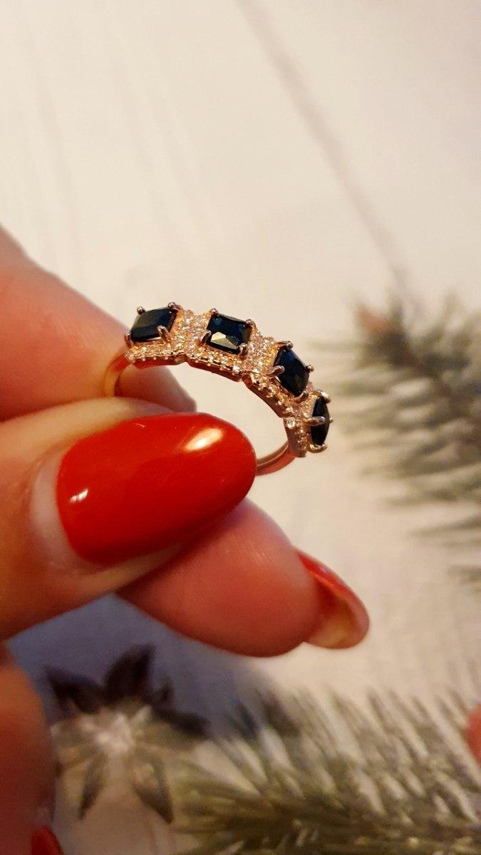 טבעת רוזגולד אבנים שחורות משובצת