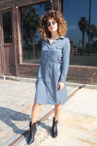 שמלת משי מכופתרת כחולה