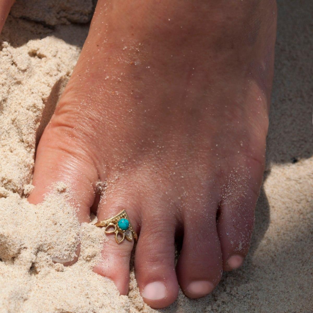 טבעת רגל פתוחה 3 עלים טורקיז