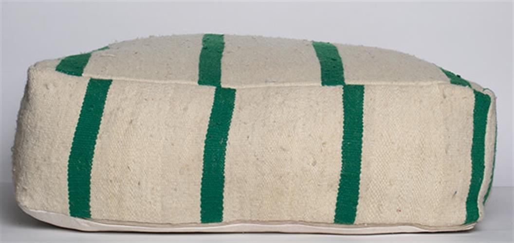 פוף שטיח ירוק לבן