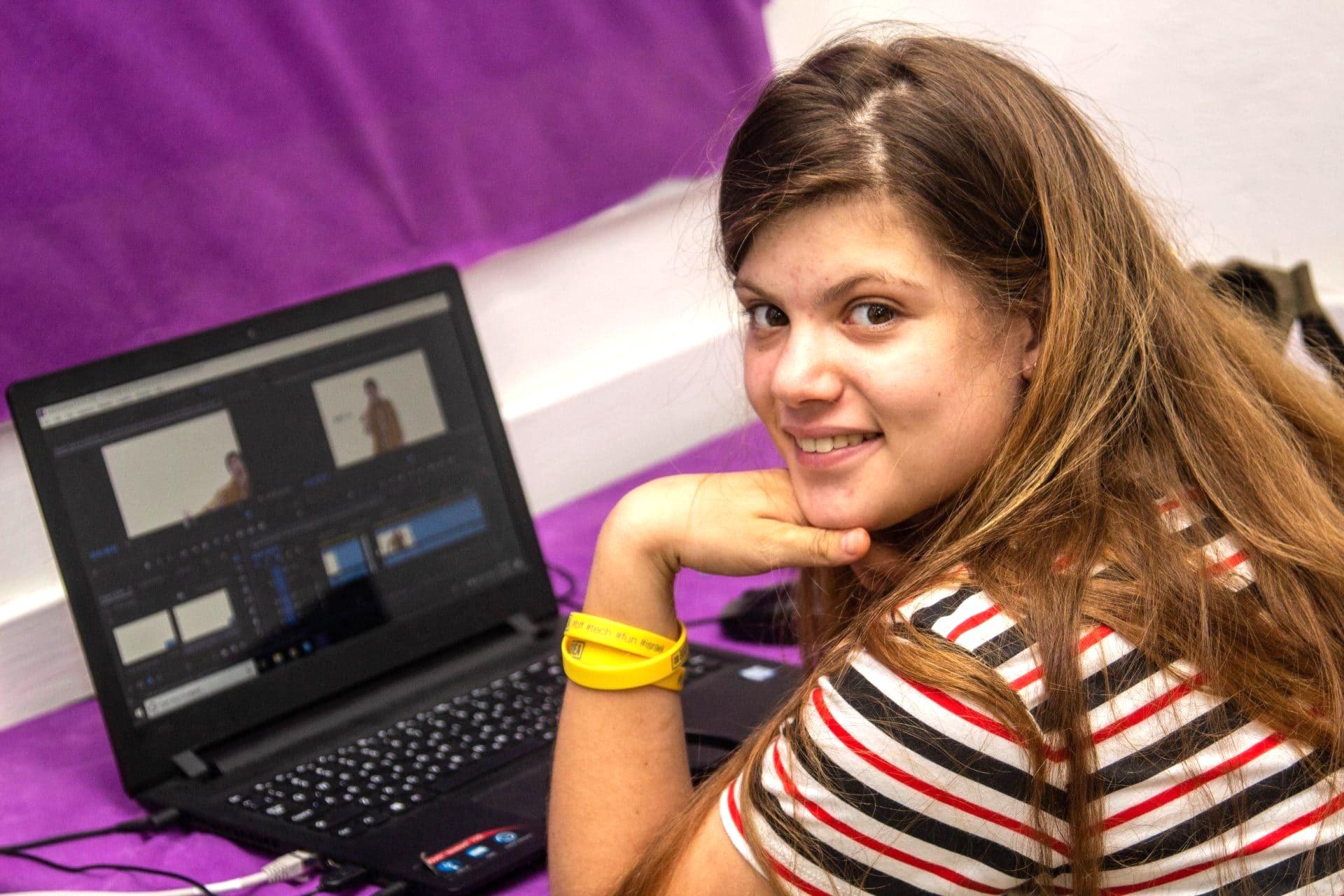 עריכת וידאו ליוטיוב לכיתות ג'-ה' בתאריכים 23.8-28.8