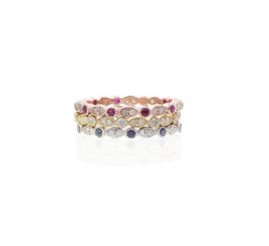 טבעת איטרניטי טבעת נצח משובצת יהלומים ואבני חן