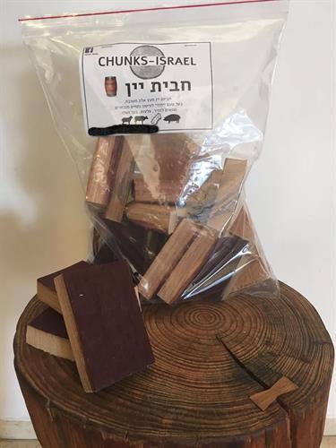 שבבי עץ גדולים לעישון בשר CHUNKS חבית יין