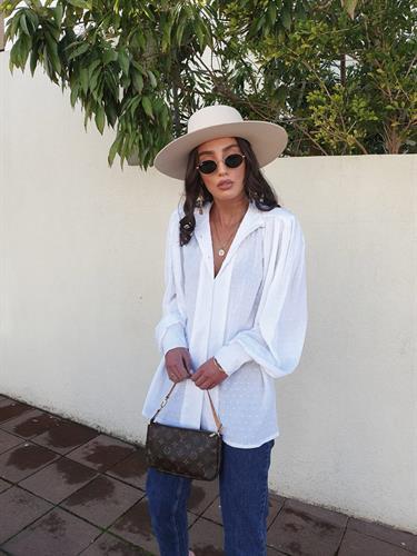 חולצת בליז - לבנה