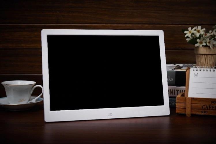 """מסגרת דיגיטלית לתמונות וסרטים """"12 HD"""