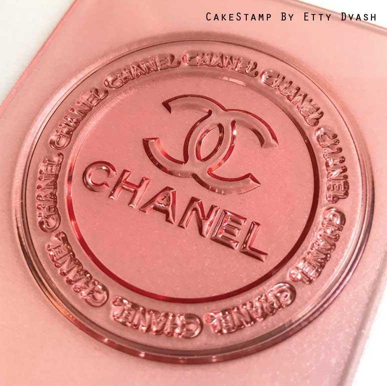 שאנל לוגו מסגרת עגולה