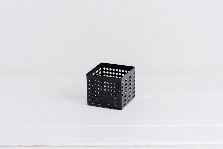 קופסה פתוחה / כלי ממתכת מרובע - שחור S