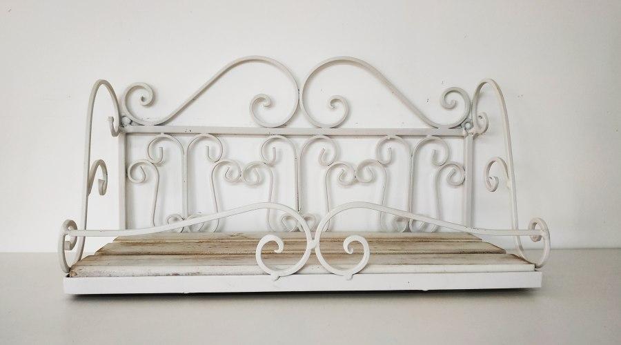 מדף יפה - דגם פרזול לבן - דוגמא
