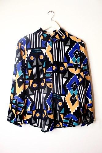חולצה מכופתרת גיאומטרית שחור