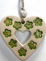 לב קטן עם חלון, בעיצוב פרחוני