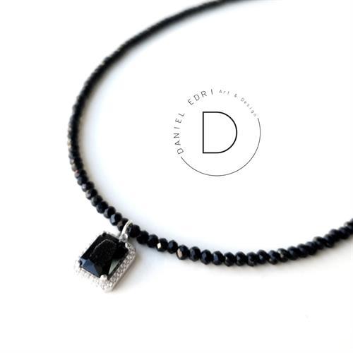 שרשרת שחורה תליון מלבן שחור