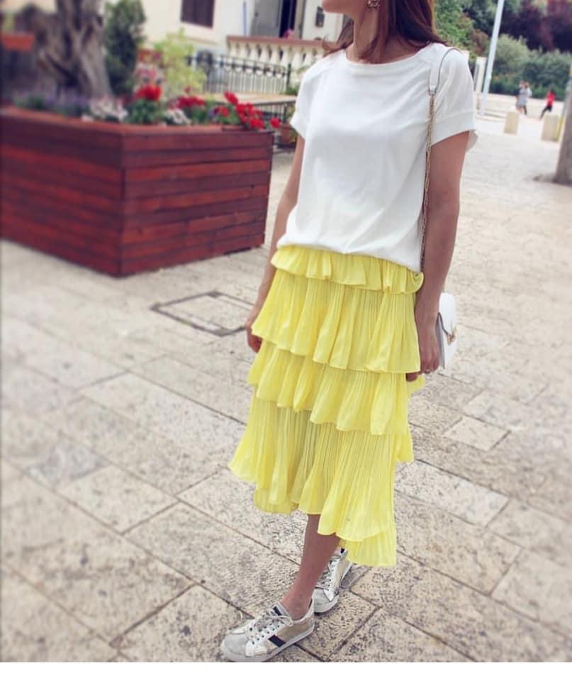 חצאית פליסה צהובה