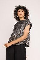 חולצת גופרה - פסים שחור כסוף