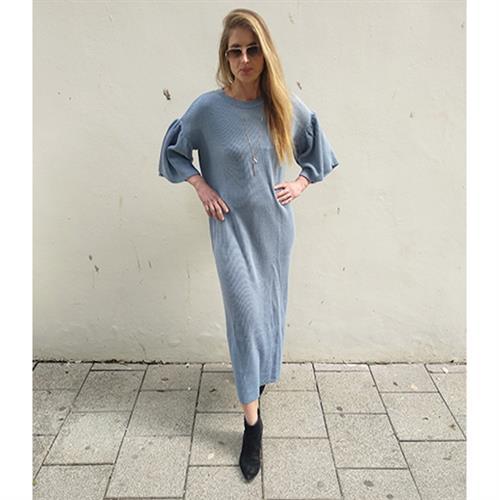שמלת קארי סריג (סוודר) כחול ג'ינס
