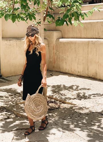 שמלת גופיה שחורה