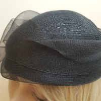 כובע שחור אלגנטי