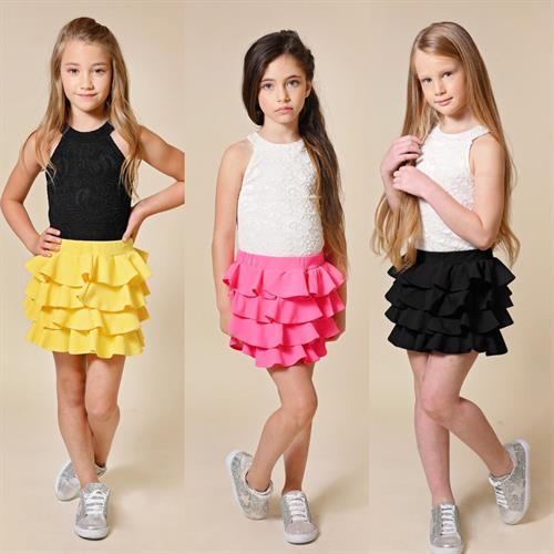 סט חצאית קומות מסתובבת וגופית תחרה