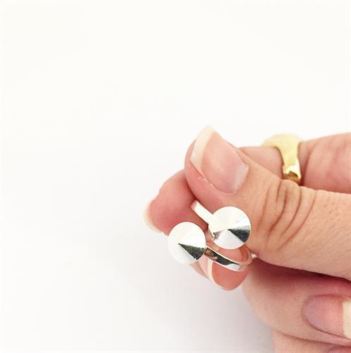 טבעת ניטים כסף מבריק
