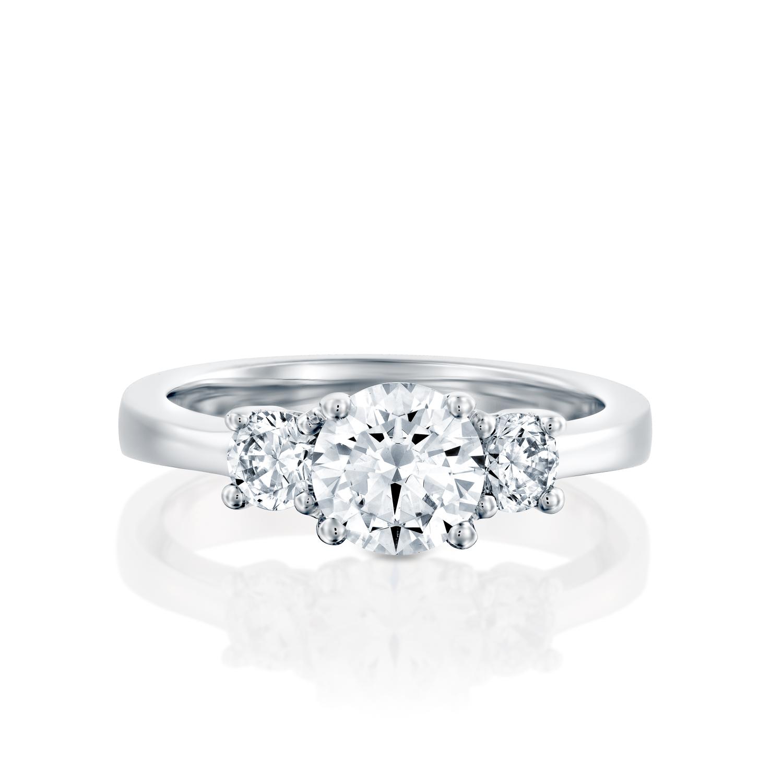טבעת אירוסין זהב לבן 14 קראט משובצת יהלומים THREE STONES