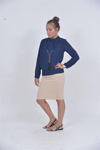 חולצת סנדרה כחולה