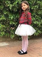חצאית טוטו וחולצת קשירה
