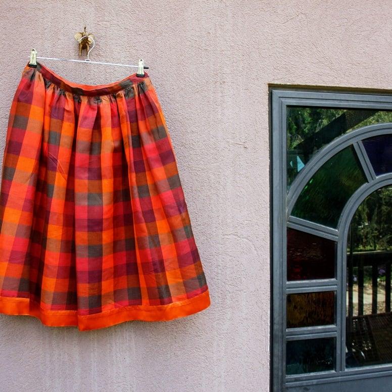 חצאית קלוש משבצות עשירה ומיוחדת מידה M