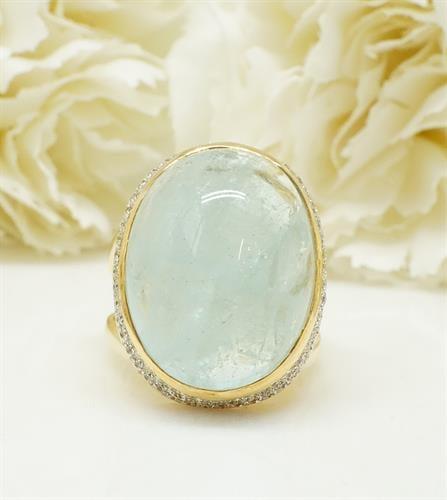 טבעת זהב בלו קוורץ ויהלומים