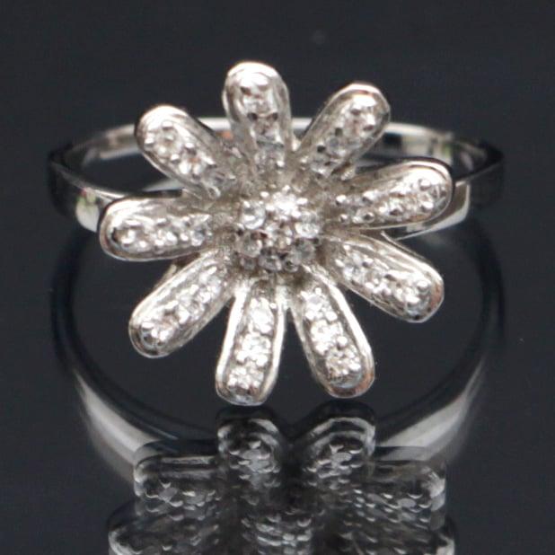 טבעת כסף משובצת זרקונים RG7400