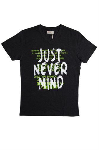חולצת NEVER MIND שחורה