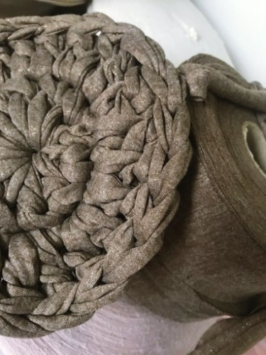 חוטי טריקו לסריגה מארז כפול, חוטי טריקו עם זהב, חוטים לסריגה עם זהב, חוטי טריקו נצנצים, חוטי טריקו לורקס, חוטים לסריגת שטיח, חוט טריקו גוון מוקה עם נצנצים
