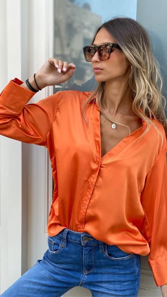 חולצת צווארון סילקי כתומה