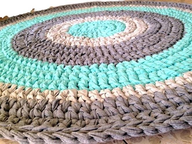 שטיח סרוג, שטיחים סרוגים, שטיחים, שטיח עגול, שטיח תורכיז, תורכיז, שטיח לחדר ילדים, שטיחים סרוגים חנות המפעל