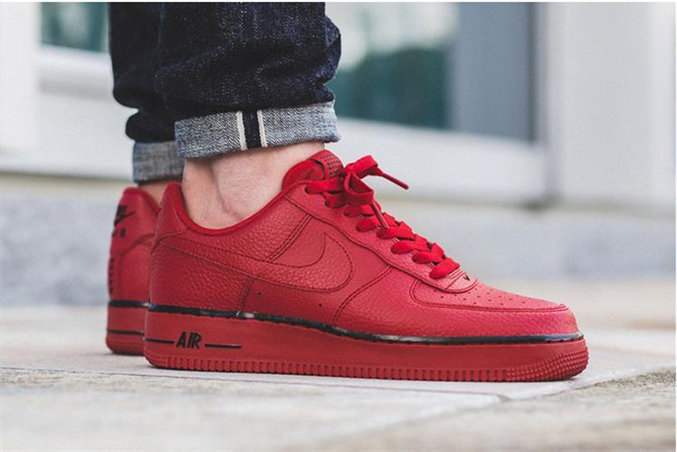 נעלי ספורט מעוצבות Nike Air Force1 Red