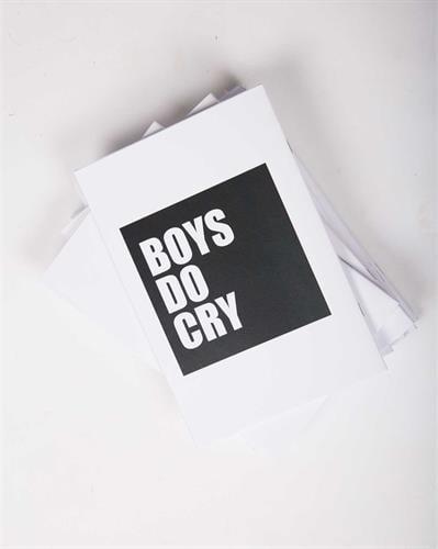 מחברת Boys do cry