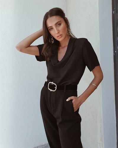 חולצת לינדה - שחורה